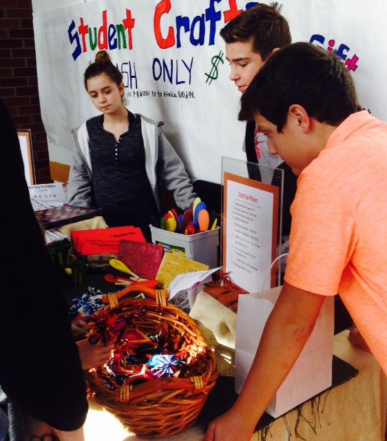 Students sell crafts at Riverdale's Holiday Art & Craft Show to raise money for charity