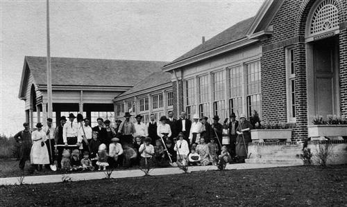 New Riverdale Grade School, circa 1920